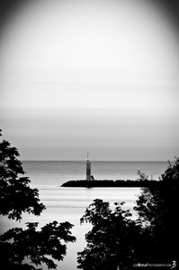 cyc-lighthouse-black-white