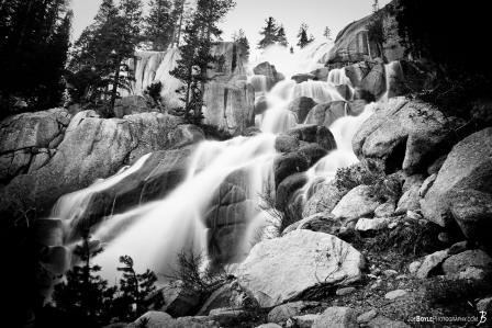 waterfall-over-rocks-black-white