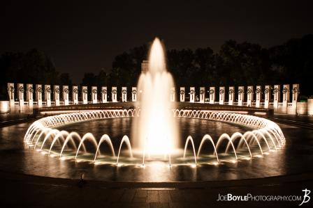 world-war-ii-memorial-fountains-smooth-water