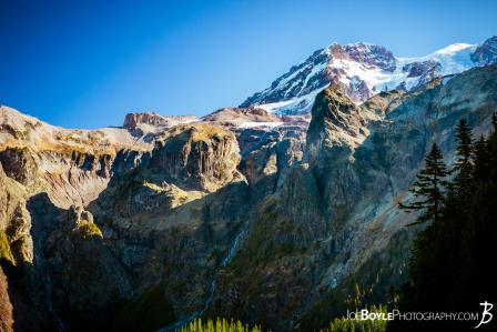 mount-rainier-and-tokaloo-spire