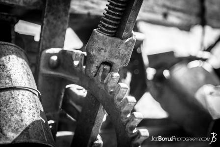 close-up-of-abandoned-farming-equipment-on-the-west-rim-trail-in-zion-national-park-sprocket-lever-black-white