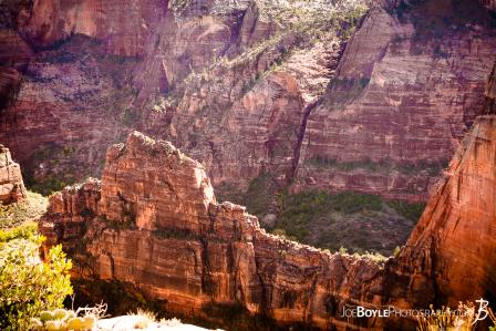 cliff-near-angels-landing