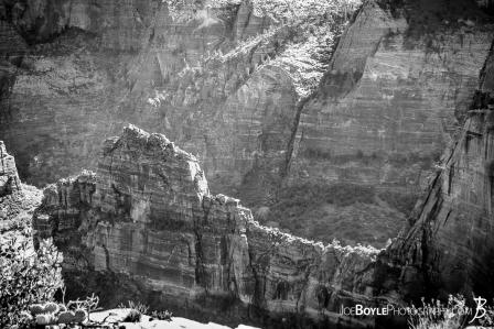 cliff-near-angels-landing-black-white