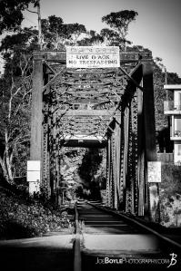train-bridge-black-white