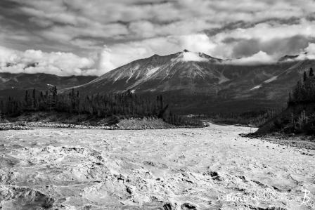 alaskan-mountain-range-and-kennicott-river-end-of-mccarthy-road-black-white