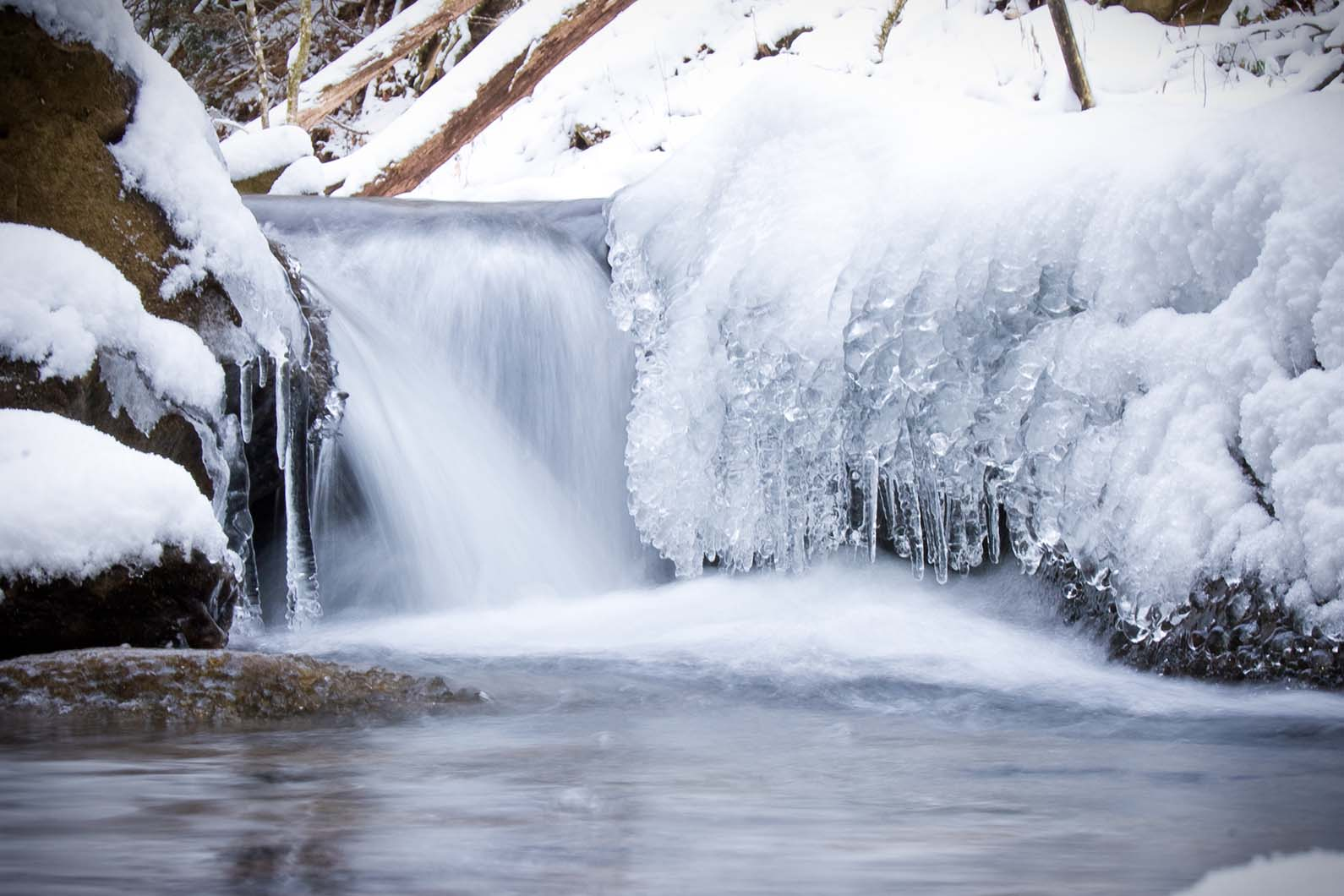 waterfall-with-ice-snow