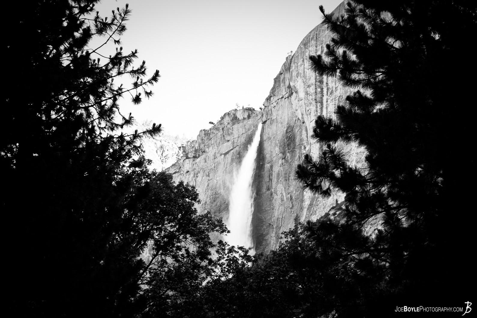 yosemite-falls-black-white