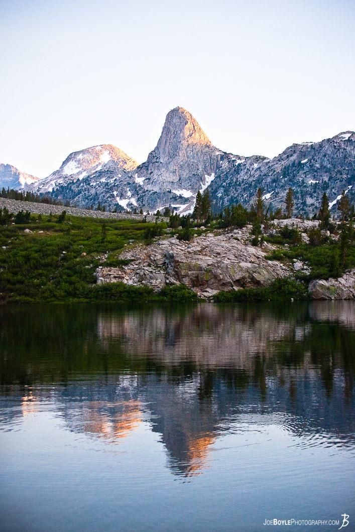 mountain-lake-sunrise