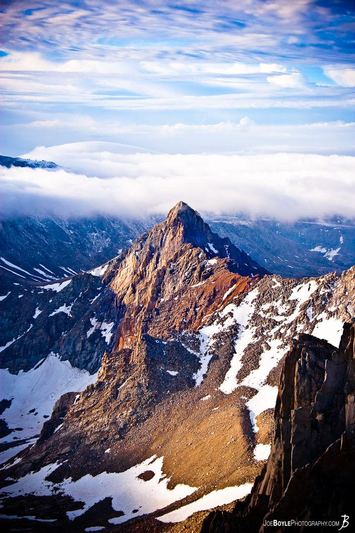 solo-mountain-peak-in-the-sunrise