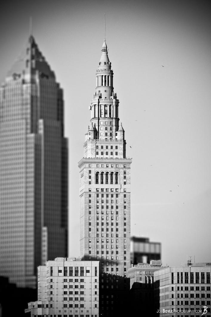 terminal-tower-key-tower-blurred-black-white
