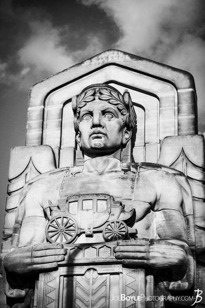 statue-on-hope-memorial-bridge-ii-bw