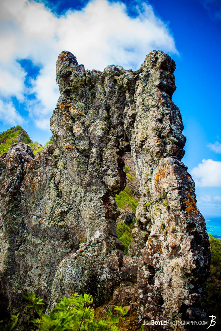 rock-pillar-on-olomana-trail