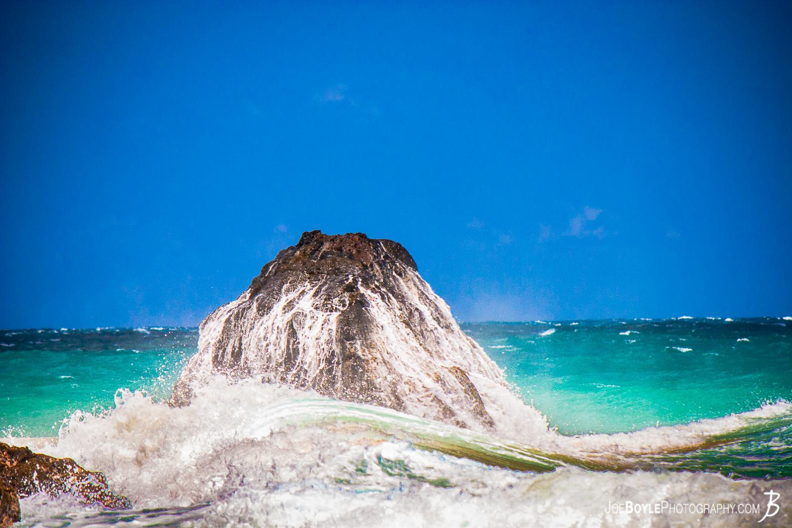 hawaii-ocean-wave-receding-from-rock