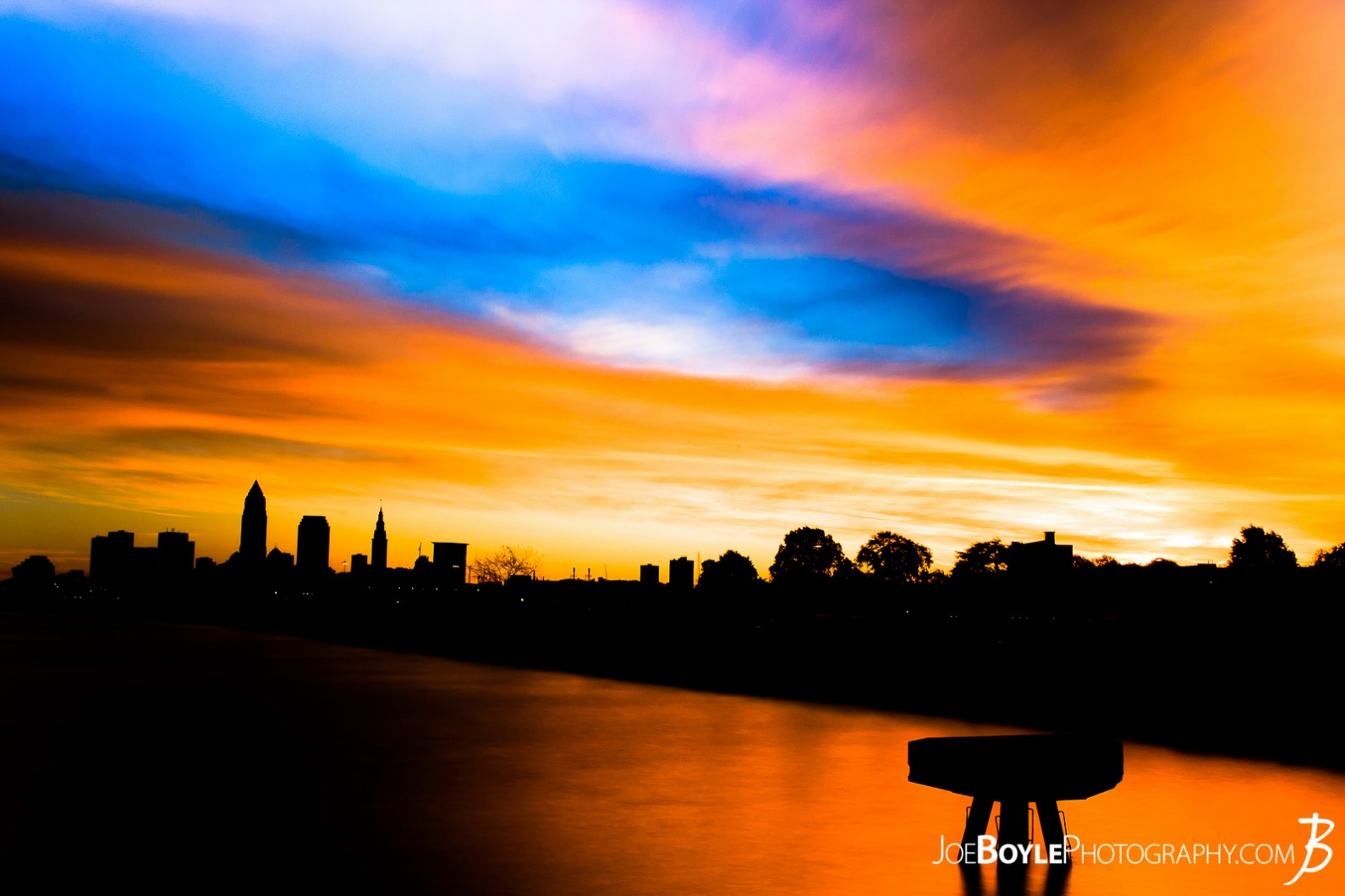 cleveland-sunrise-at-edgewater-park-with-pier