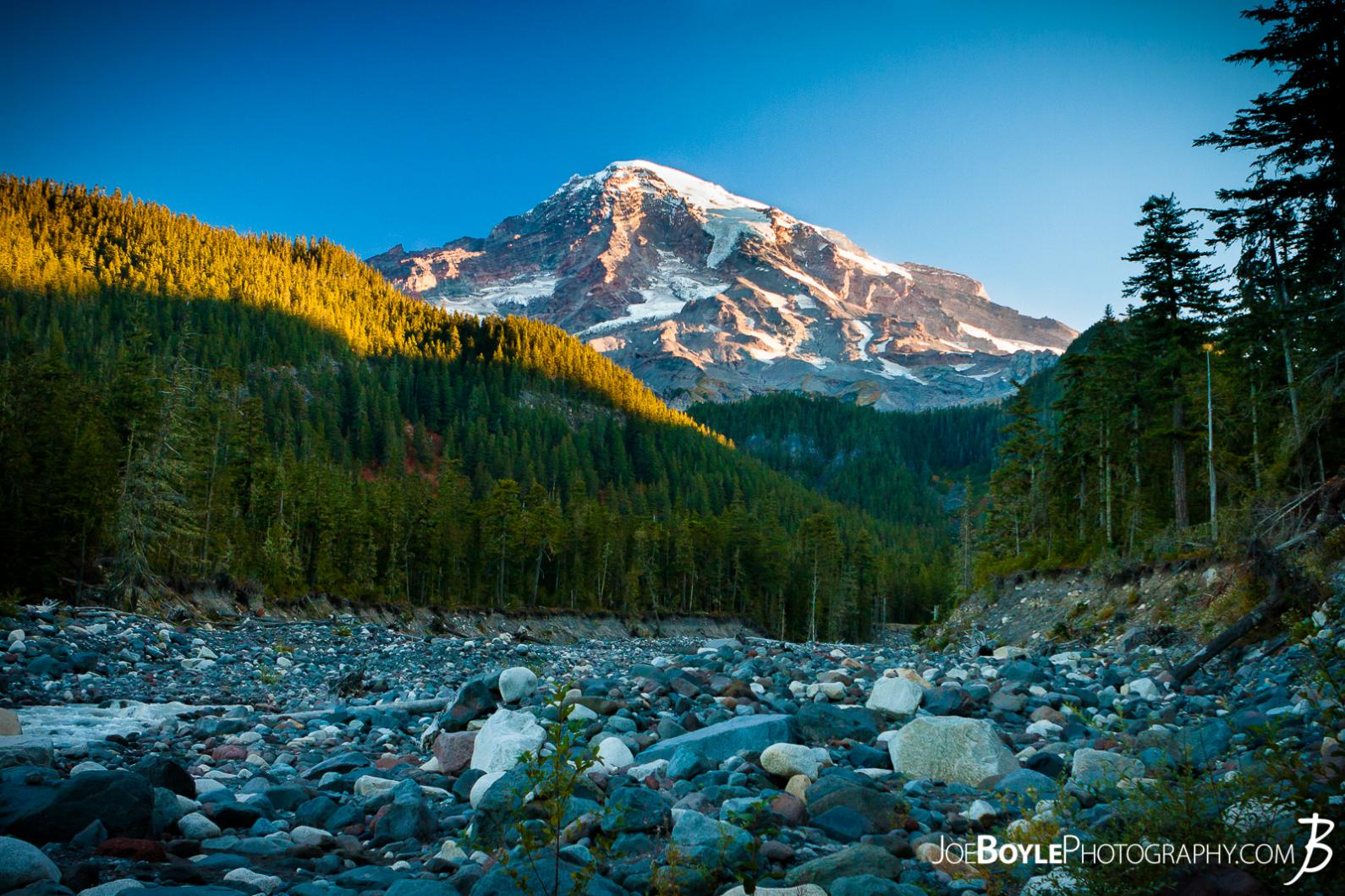 mount-rainier-sunrise-from-the-paradise-river-crossing-on-the-wonderland-trail