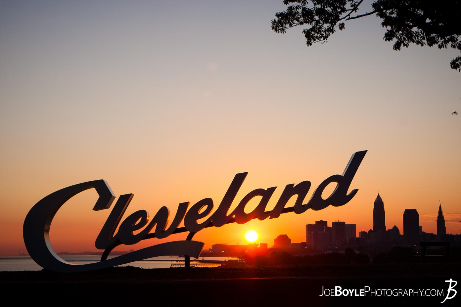 cleveland-sign-during-sunrise-at-edgewater-park-city-beneath-the-sign-iii