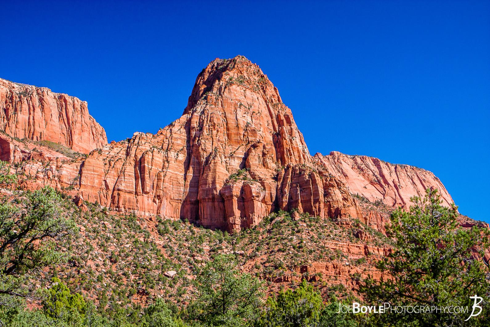 canyon-and-pillar-on-the-kolob-canyon-trail-landscape